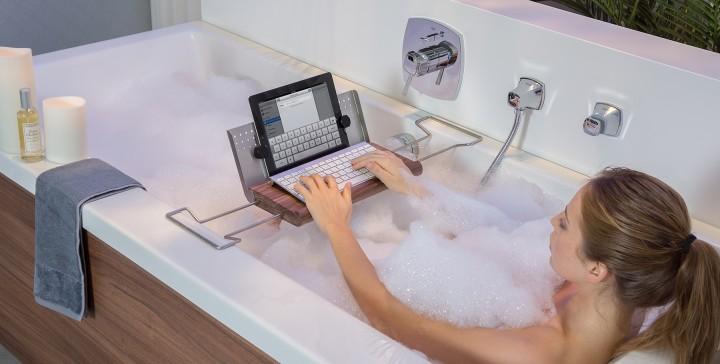 tablet halter ipad halter halterung f r die badewanne aus holz f r tablet e book reader. Black Bedroom Furniture Sets. Home Design Ideas